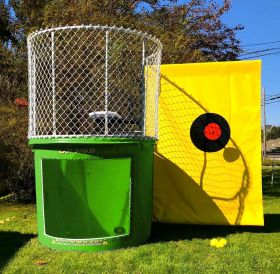 Buy Green Portable Dunking Booth with New Wingless Design Dunk Tank