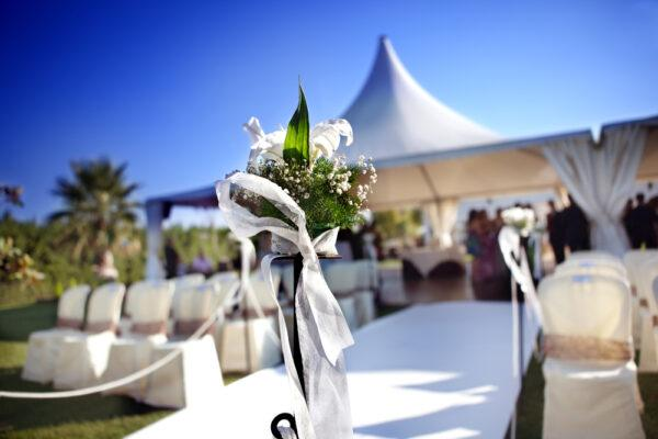 Five Reasons a High Peak Tent is Perfect for Weddings